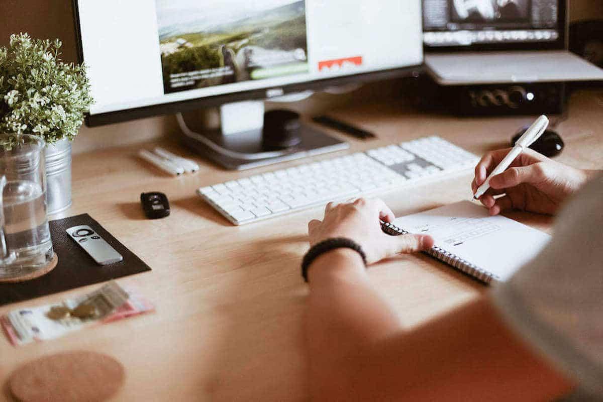 Web Design Bedfordshire header image - our web designer at work